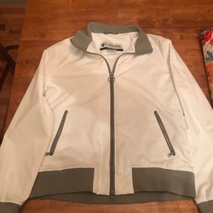 Super cute and sporty Columbia Womans Jacket